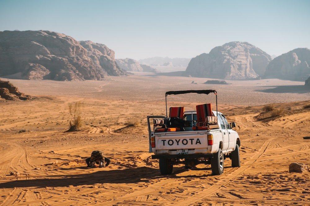Best Jeep Tours in Wadi Rum Hero